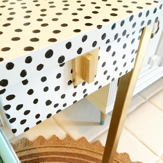 #thriftscorethursday Week 101 | Instagram user: design_it_vintage shows off this Kate Spade Downing Desk Knockoff