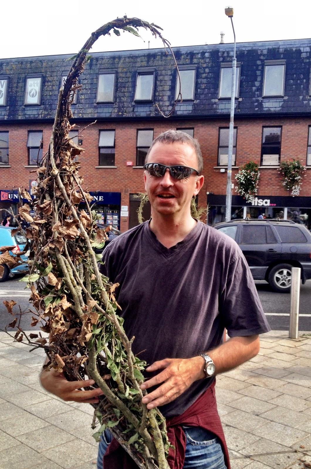 Mark Reid posing with Scoodoo