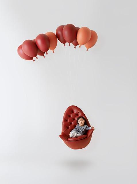 グミのシャンデリア?感性を刺激するクリエイティブな家具#2・9選【a】 風船によって空を飛ぶ椅子