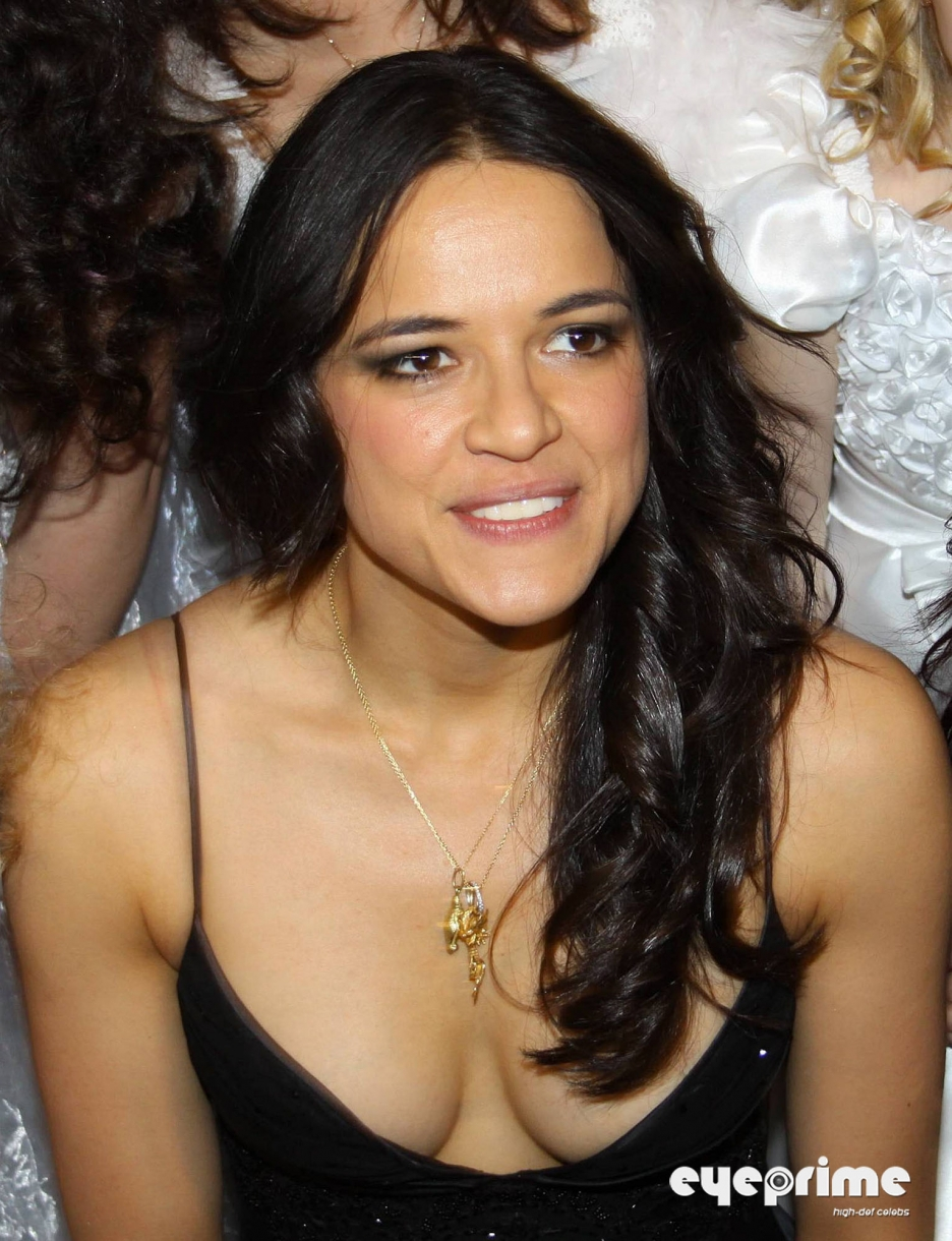 Michelle rodriguez cleavage