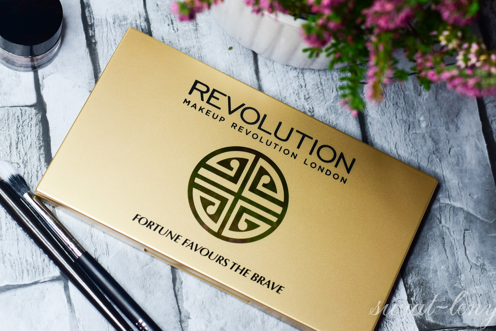 Makeup Revolution Fortune favours the brave