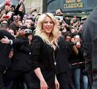 Shakira032713_06.jpg