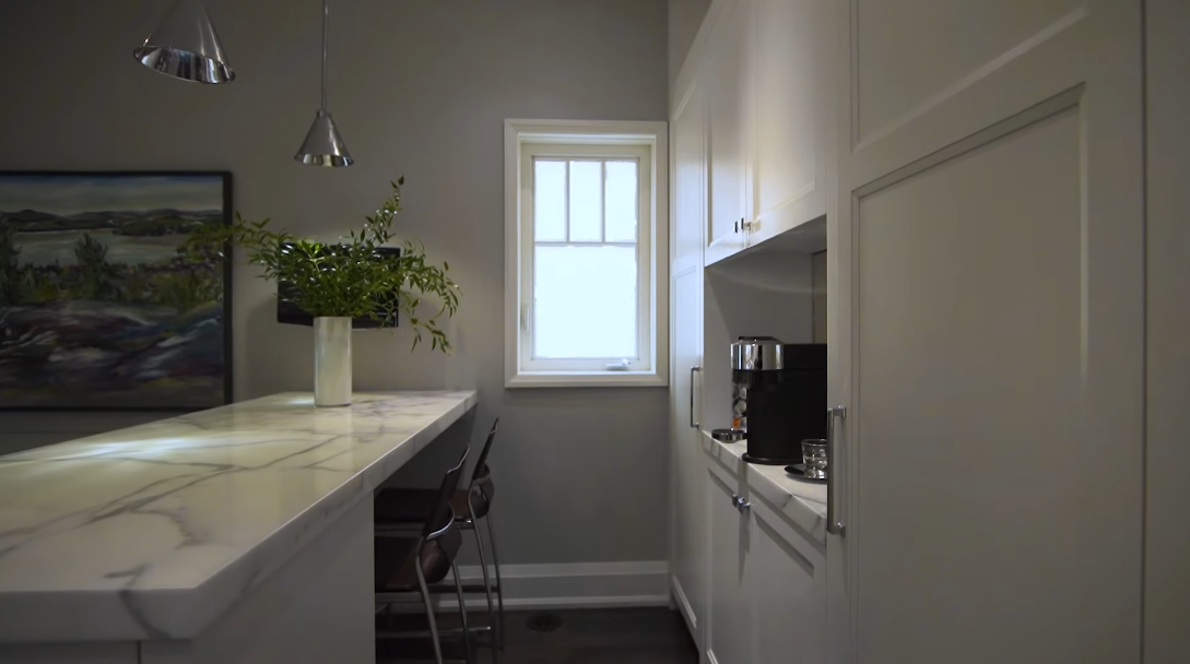 29 Interior Design Photos vs. 54 Manor Rd E, Toronto Luxury Home Tour
