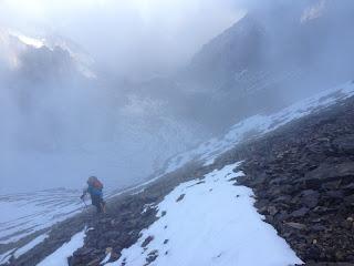 Kurz vor Erreichen des Zackengrates; im Hintergrund der Schwarzgletscher