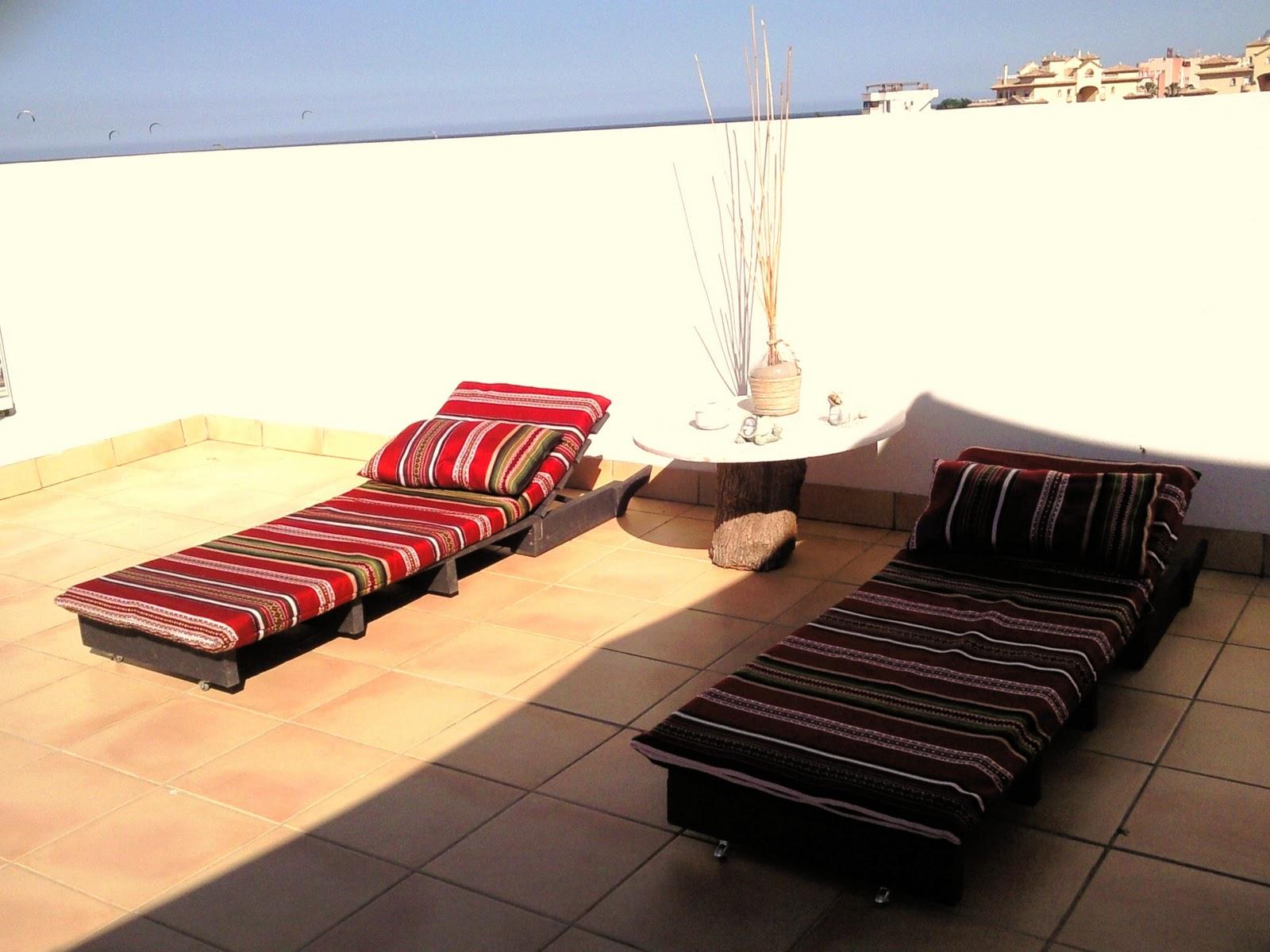 muebles de exterior tipo chill out. Black Bedroom Furniture Sets. Home Design Ideas