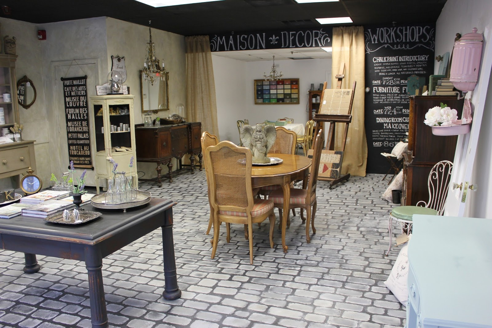 maison decor our new reading store take a tour. Black Bedroom Furniture Sets. Home Design Ideas