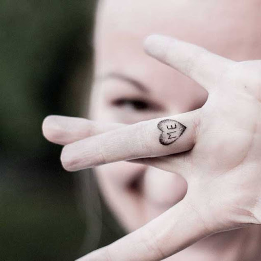 Elegante Dedo Tatuagens Para Mulheres Tatuagem