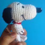 http://zombiegurumi.blogspot.com.es/2015/07/patron-gratis-snoopy-amigurumi.html