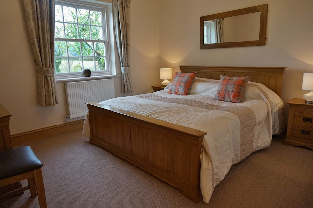 ox pasture hall suite bedroom