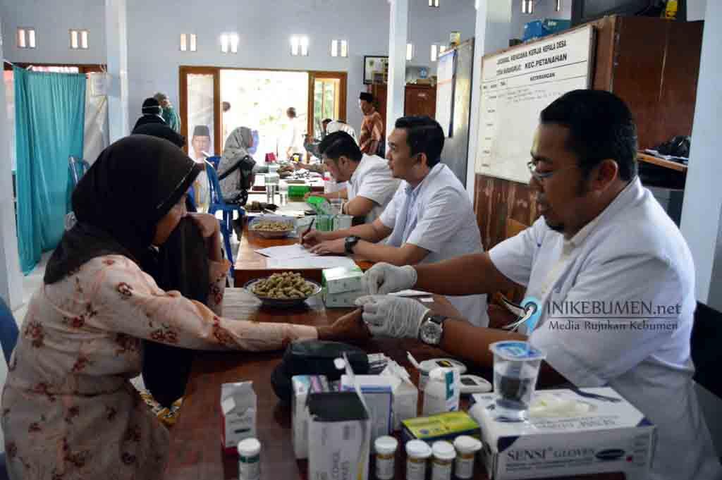 Boyong Tujuh Dokter Sekaligus, Darori Gelar Pengobatan Gratis di Tiga Kabupaten