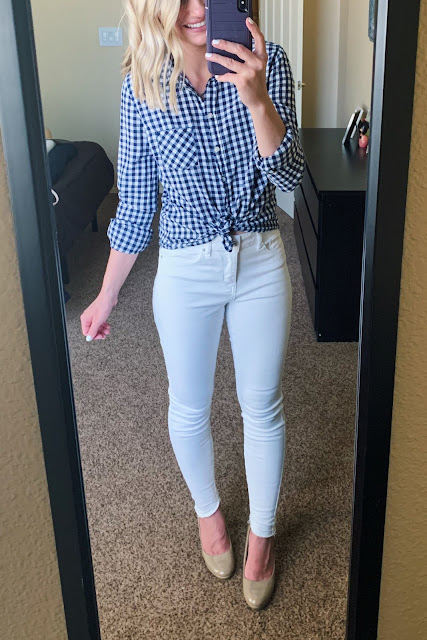 White jeans with gingham