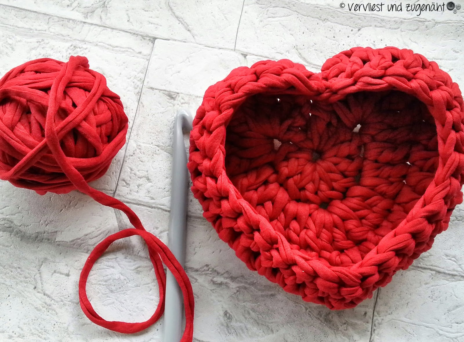 Vervliest Und Zugenäht Herz Zpagetti Körbchen