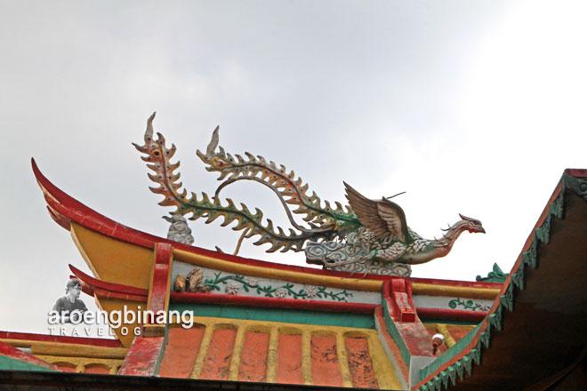 fenghuang burung hong phoenix kelenteng boen san bio tangerang