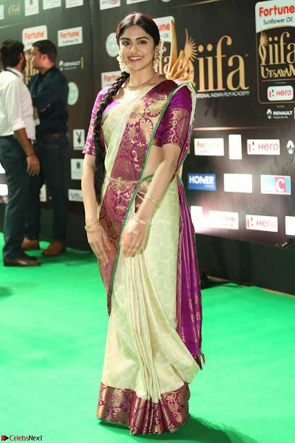 Adah Sharma looks super cute in Saree at IIFA Utsavam Awards 005.JPG