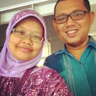 Blogger Couple with Eye Glasses