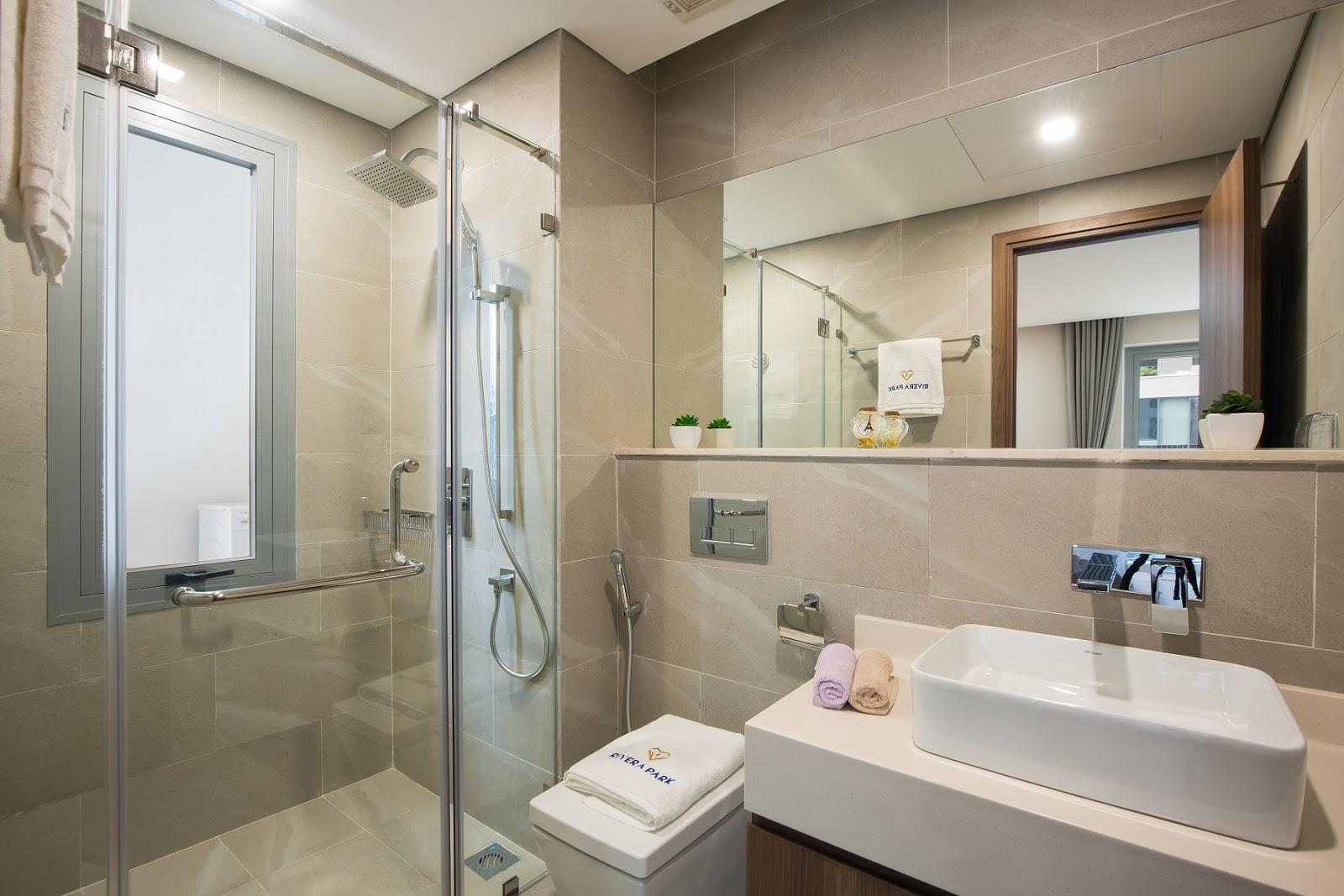 Phòng tắm bàn giao với trang thiết bị hiện đại
