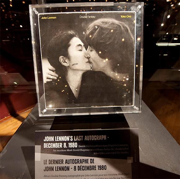 L'album dédicacé par John Lennon à son assassin mis en vente
