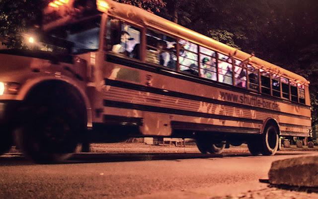 Bild: Partybus durch Stuttgart bei einer Junggesellenabschiedsfeier