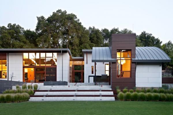 บ้าน 2 ชั้น Modern Creek House Style