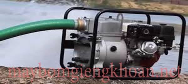 Máy bơm nước chạy xăng