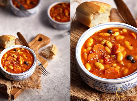 Fasolka w pomidorach- samodzielne danie lub baza do fasolki po bretońsku