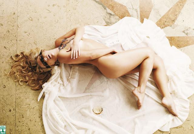 Iris Stefanelli pelada, nua na Playboy 6