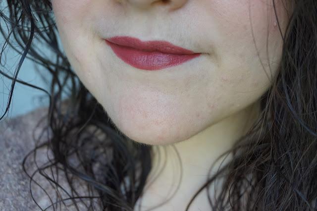 unicorn_lipsticks_lime_crime_revue_avis_swatches_chocker_soft_spot_bomber_shades_teintes_01