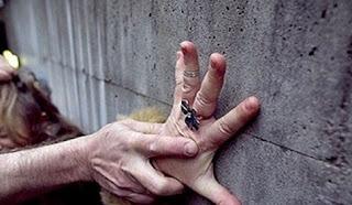 Στη φυλακή ο πα-τέρας που κακοποιούσε επί δύο χρόνια την ανήλικη κόρη του