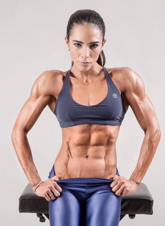 Women With Amazing Abs