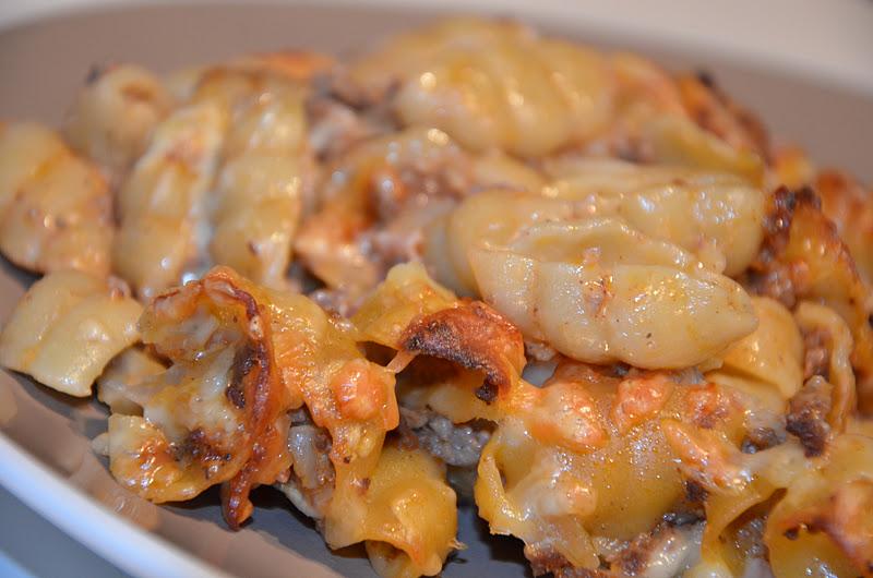 köttfärs bacon pastagratäng
