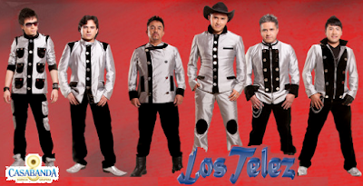 Foto de Los Telez posando parados
