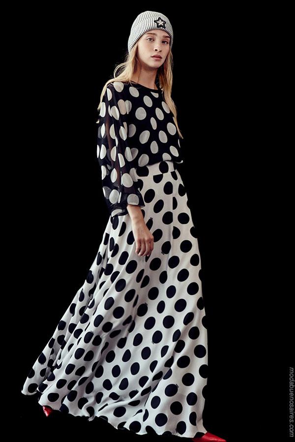 Moda lunares otoño invierno 2018. Ropa de moda mujer.