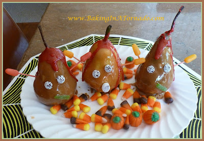 Halloween Bloody Buddies | www.BakingInATornado.com | #recipe #Halloween