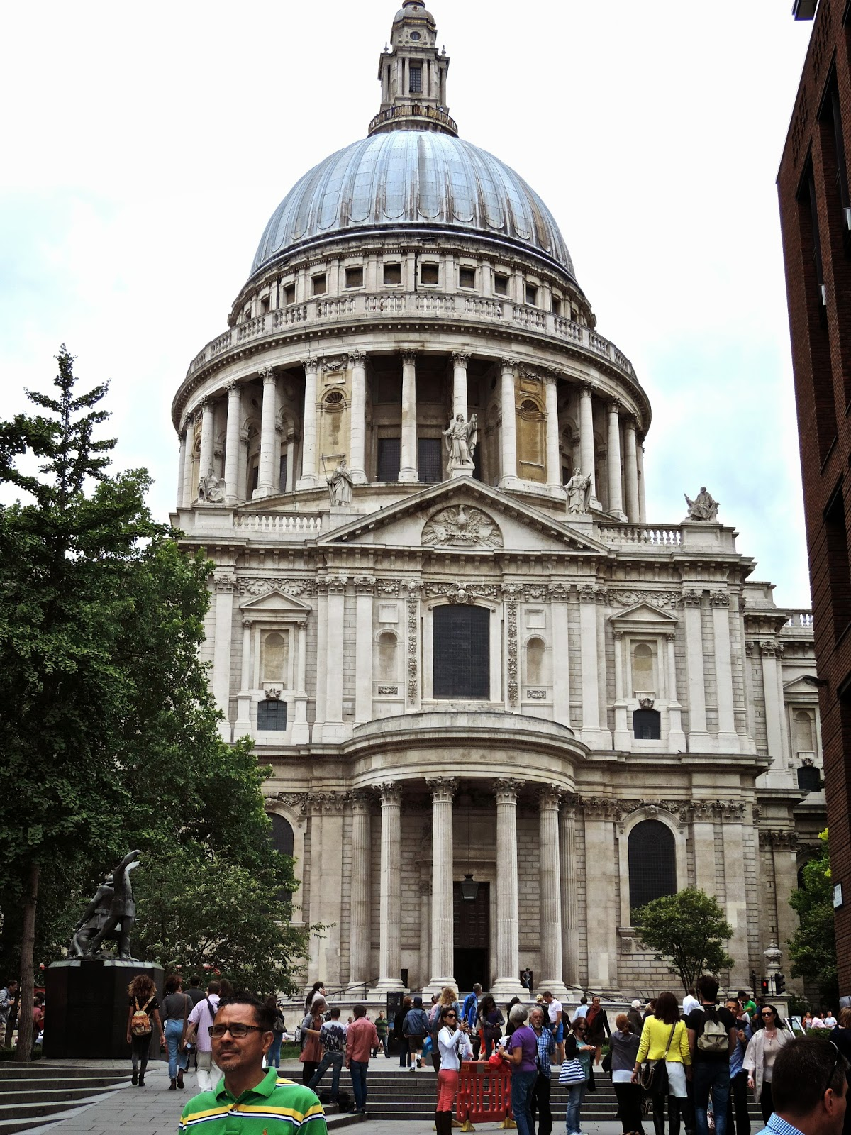 Of Golden Roses: St. Paul's Cathedral | London, England