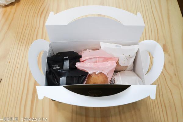台中大里|旅禾泡芙之家台中軟體園區快閃店|泡芙買四送二|甜月亮冰淇淋