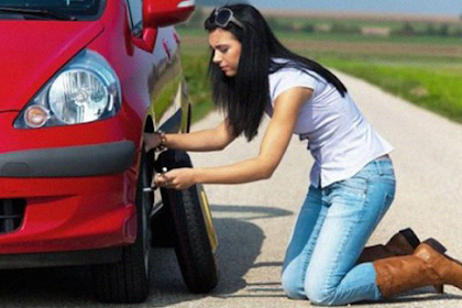 7 Steps to Changing a Flat Tire