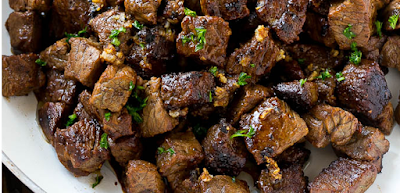 STEAK BITES WITH GARLIC BUTTER #food #steak