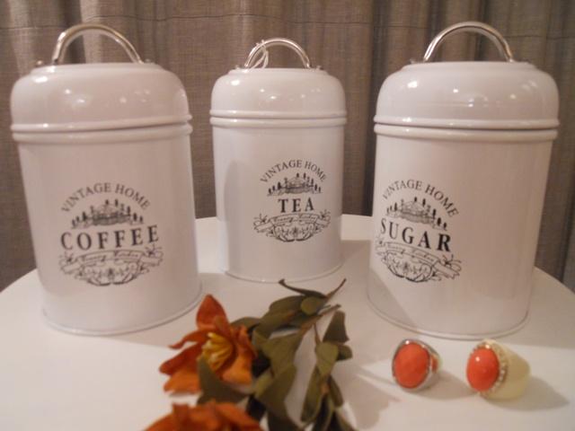 vintagehomecollection: Biscottiera,contenitori di latta e ...
