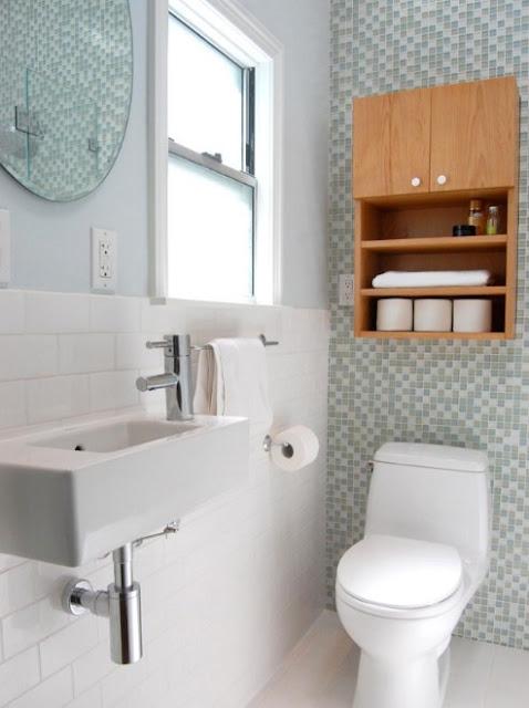 menata kamar mandi mungil