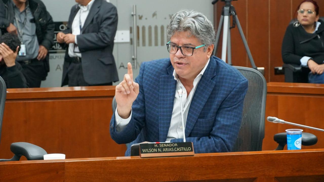 """""""No apoyaremos medidas económicas de Duque"""", dice Wilson Arias al radicar ponencia negativa al proyecto de Ley de Presupuesto"""