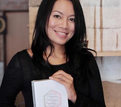 Dewi Lestari Artis Yang beragama Budha