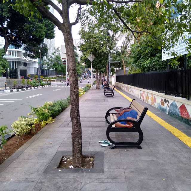 The  Function Of Chair On Jakarta Sidewalks (Besides For Pedestrian Resting Their Leg)