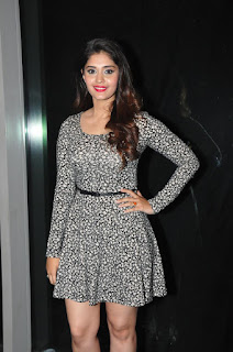 Surabhi at vivo phone launch 009