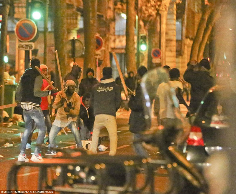 Hoodlums in bloody fight with each other after Paris police destroyed migrants' camps