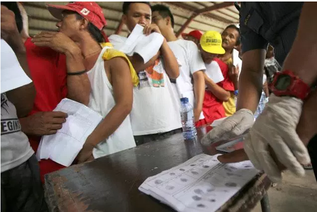 Because of Duterte's Campaign, 700 Drug Users and Pushers Surrendered!