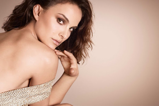 Natalie Portman beautiful fashion model latest photo