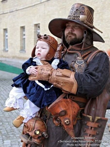 steampunk fasther and daughter cosplay