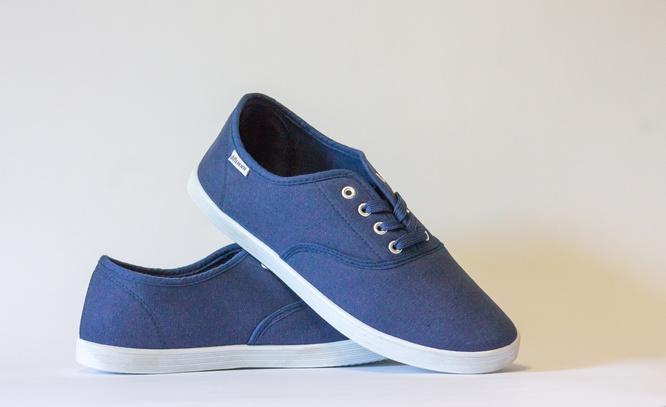 Sepatu ialah barang yang dimiliki oleh setiap orang 15 Tips Merawat dan Menyimpan Sepatu Agar Awet