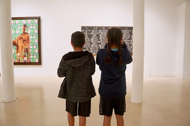 Tips to visit an art museum with big kids, tweens and teens