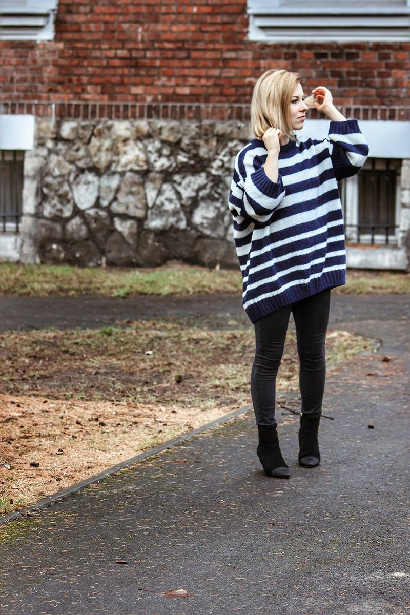 modny sweter w stylizacji
